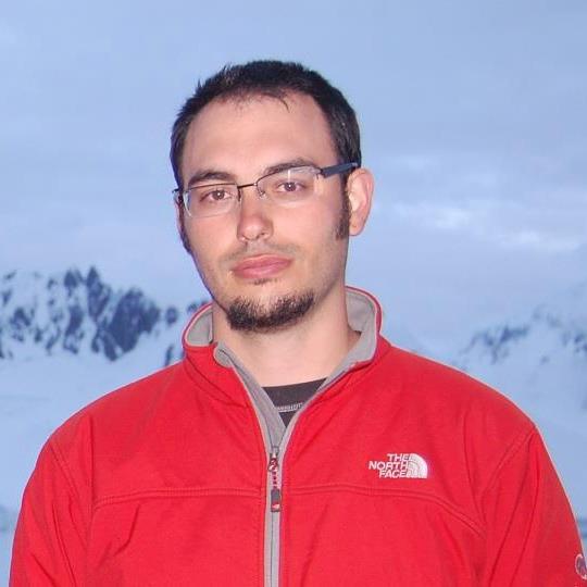 Dr Luis R. Pertierra